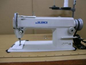 Juki DDL-5550 sewing machine